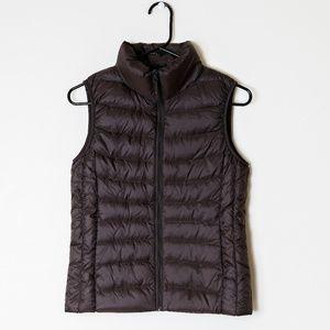 Uniqlo ultra light down vest brown size small